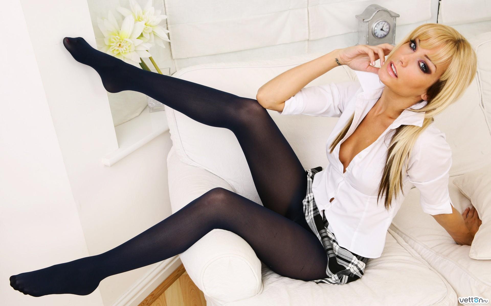 Смотреть порно онлайн девочки в белых носочках 13 фотография