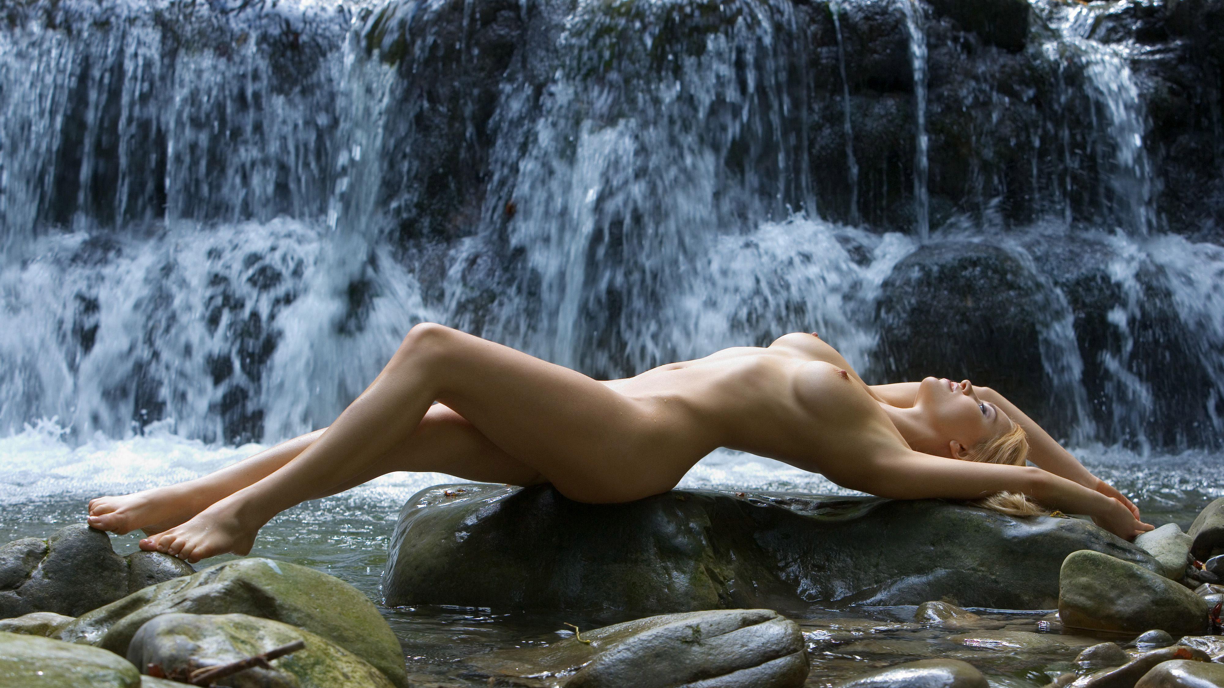 Эротическое фото жены на курорте найденные фото 19 фотография
