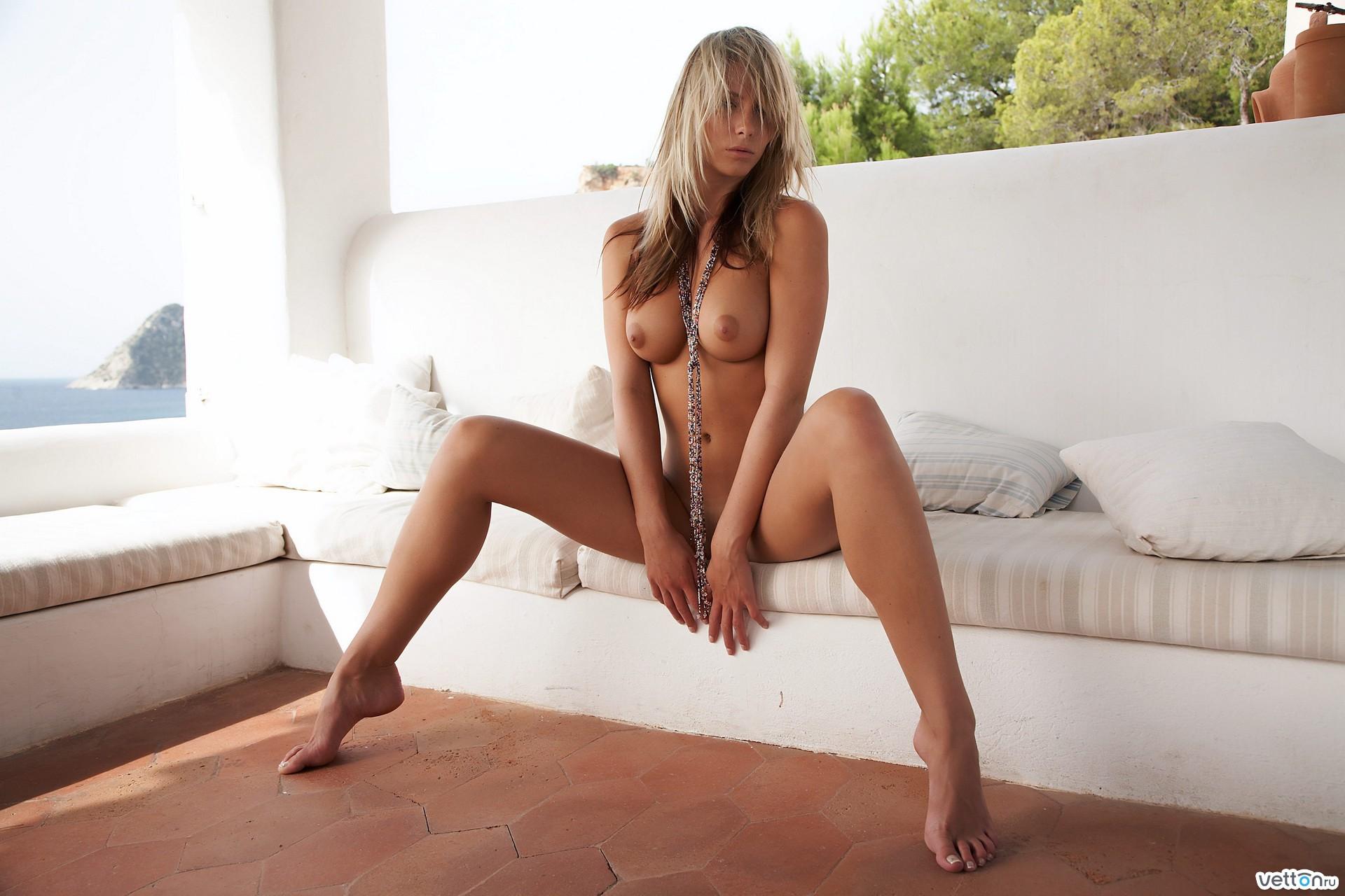 Фото эротические модели в тельняшке 17 фотография