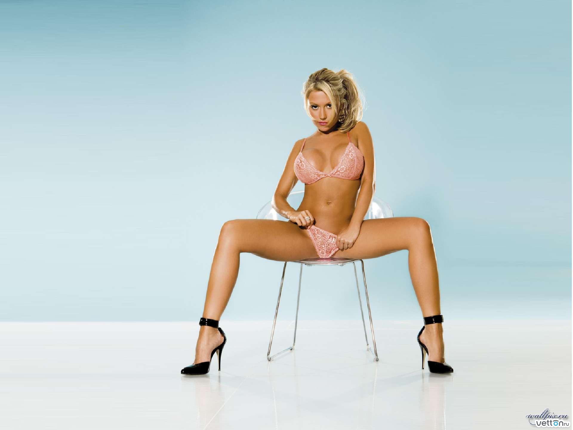 Фото стрипциз голые девушки 25 фотография