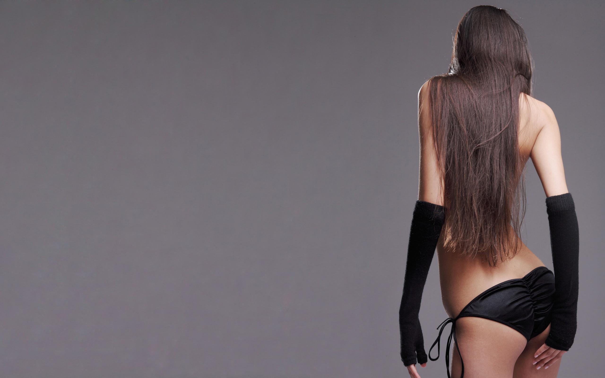 Фото девушек со спины шатенки 6 фотография