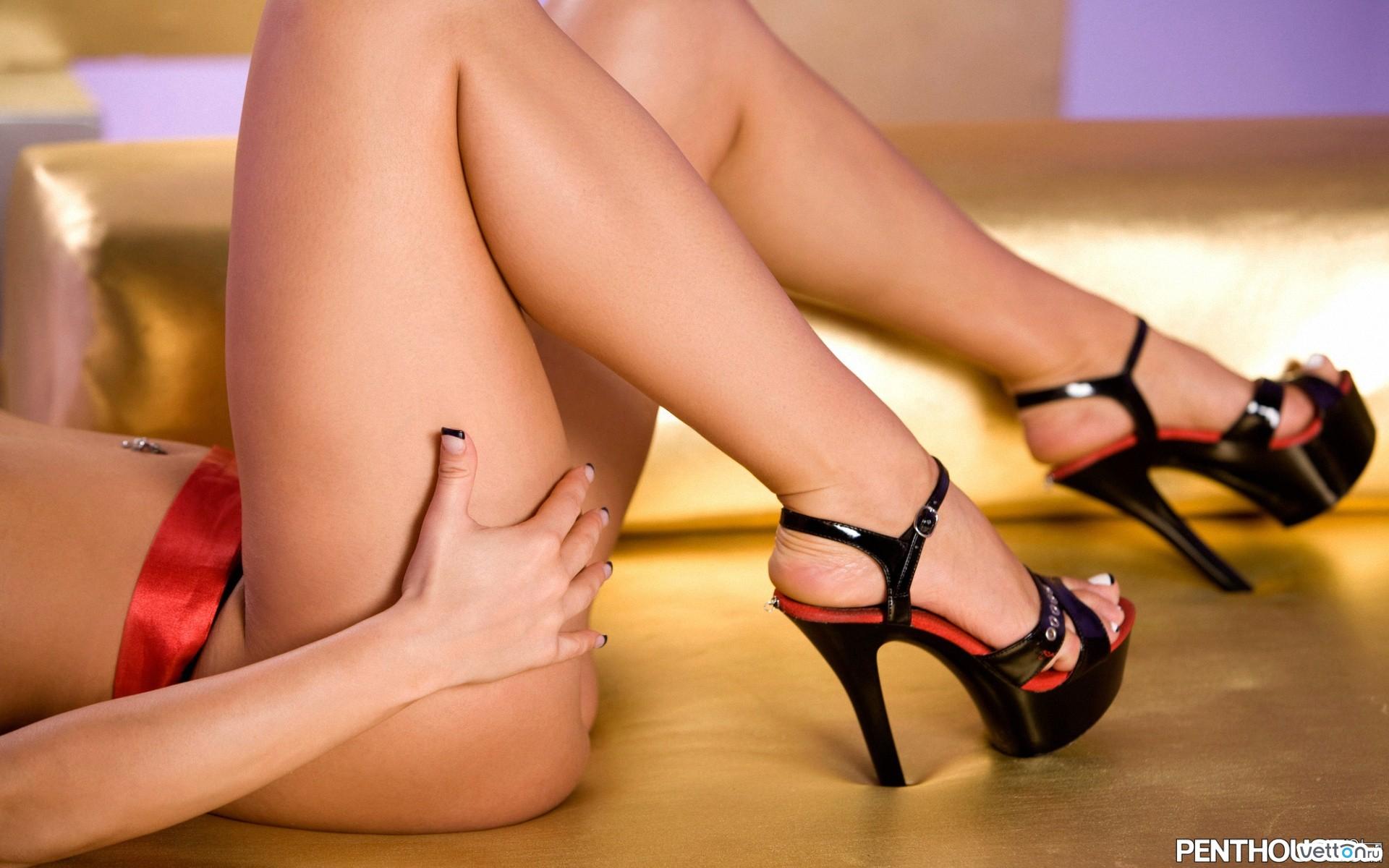 Смотреть онлайн женские ножки 19 фотография