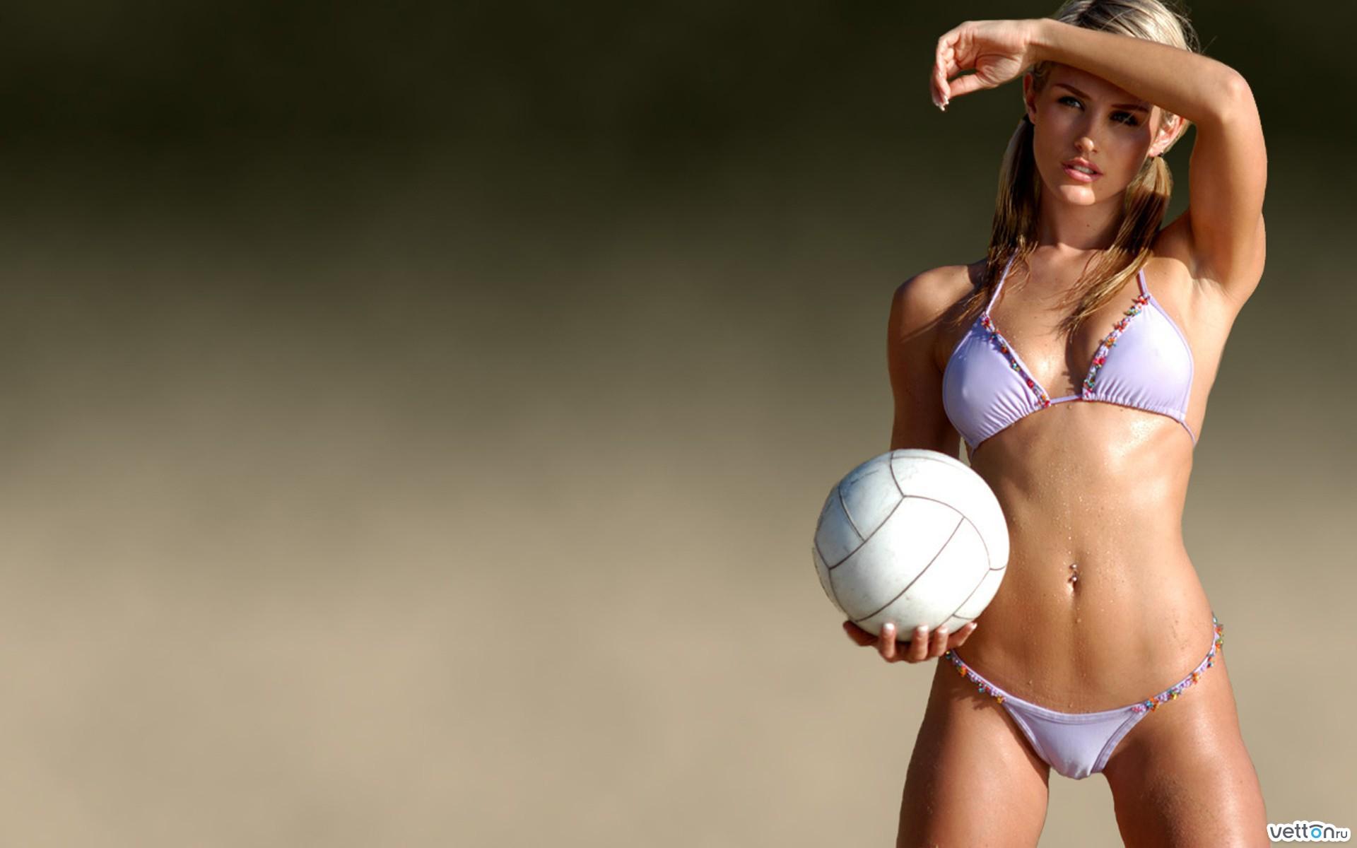 Спортсменка с большой грудью 16 фотография